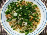 fully assembles chicken laksa, a malaysian laksa recipe