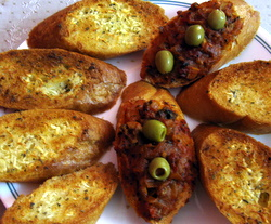 garlic bread and tomato bread picture, serve them as a party appetizer