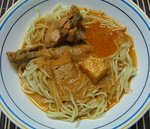 chicken laksa, picture with noodles and chicken curry